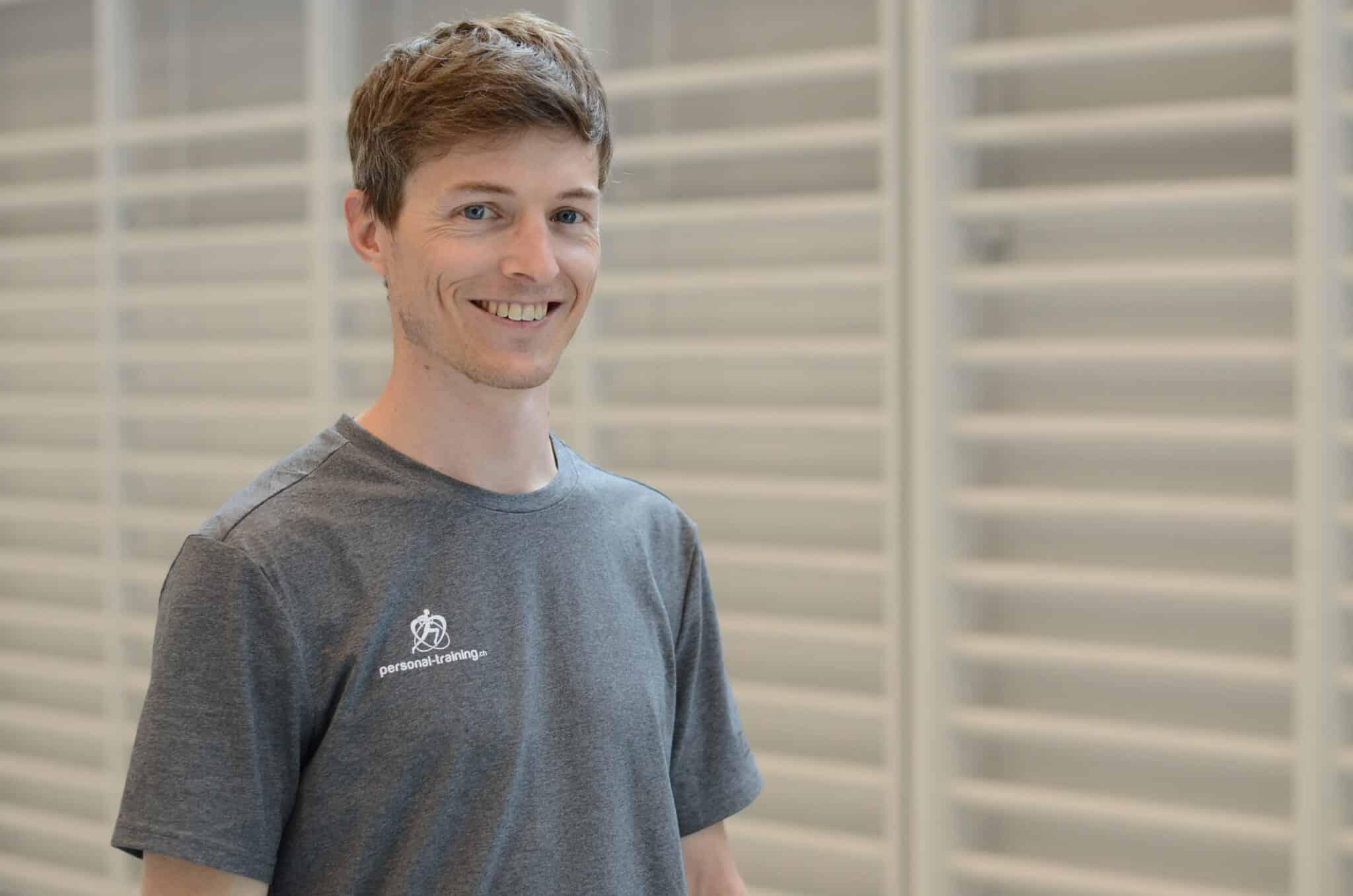 Kraft und Ausdauer Training zuhause Dominic Reinle